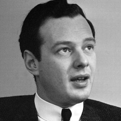 Brian Epstein Manager of The Beatles - People and Biographies